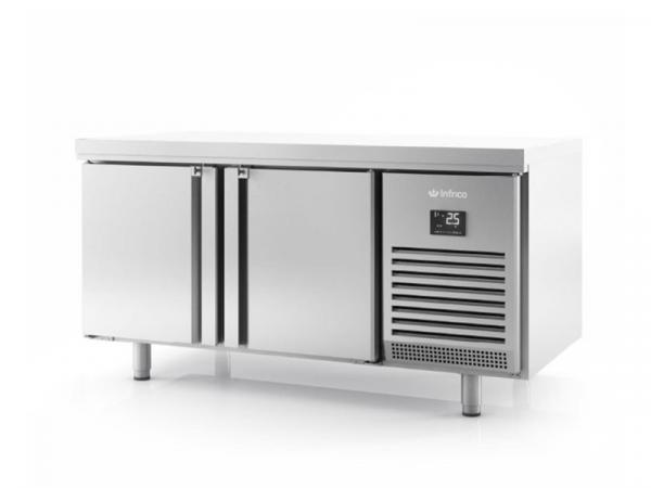 Mesa refrigerada central puertas a dos caras marca INFRICO modelo BMGN 1470 PDC