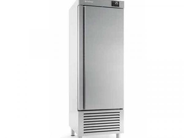 Armarios de refrigeración y congelación Serie Nacional - INFRICO