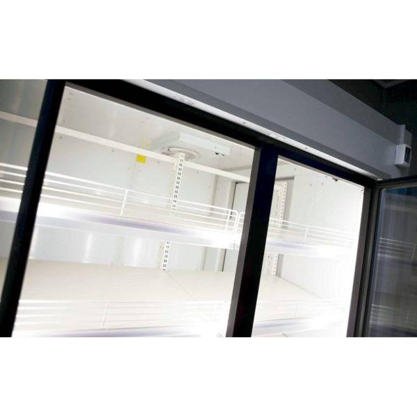 Detalle puerta de cristal armario refrigerado